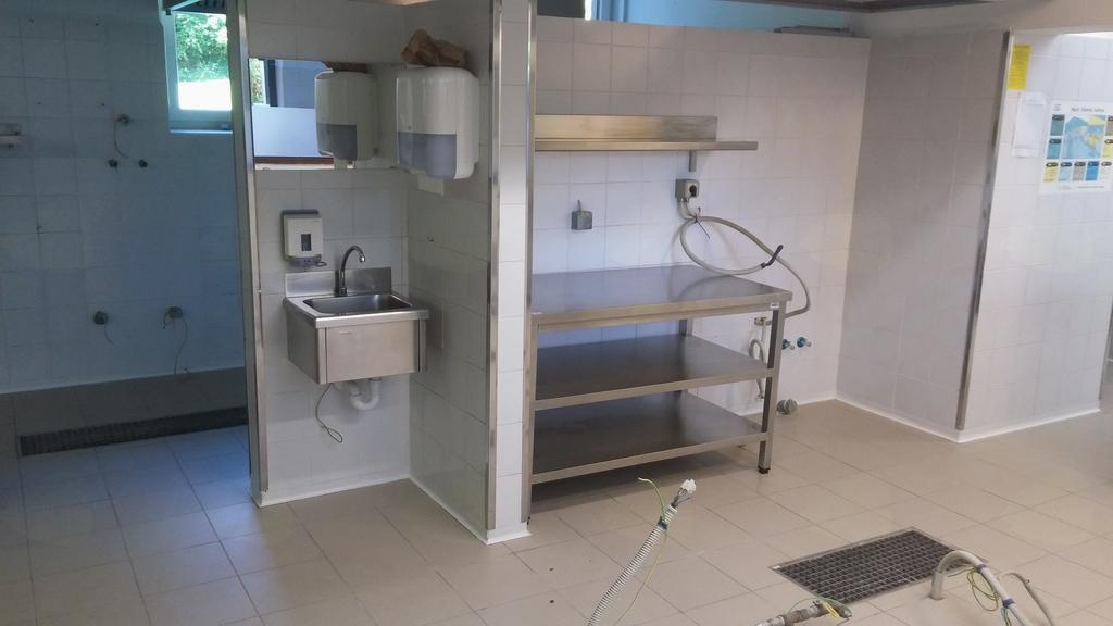 Obnovljena vodovod v kuhinji OŠ Mengeš