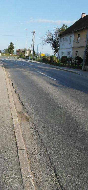 Na Grobeljski cesti bo od gasilnega doma do križišča z Detelovo ulico  celoti zamenjan spodnji in zgornji ustroj ceste, izvedena rekonstrukcija pločnika in ureditev odvodnjav.