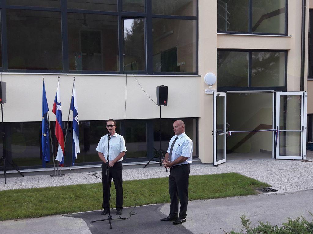 Milan Burkeljca, ravnatelj Osnvnone šole Mengeš, se je zahvalil občini za upoštevanje strokovnih argumentov pri gradnji in opremi novega prizidka