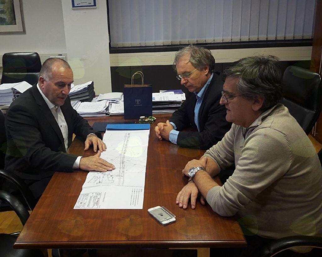 Sestanek na DRI, Franc Jerič, župan Občine Mengeš, Aleš Hojs, direktor za področje cest in razvojnih projektov in Bojan Cerkovnik, vodja projekta gradnje obvoznice v občini Mengeš