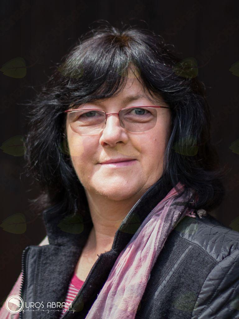 Predavateljica Silva Abram (osebni ahriv)