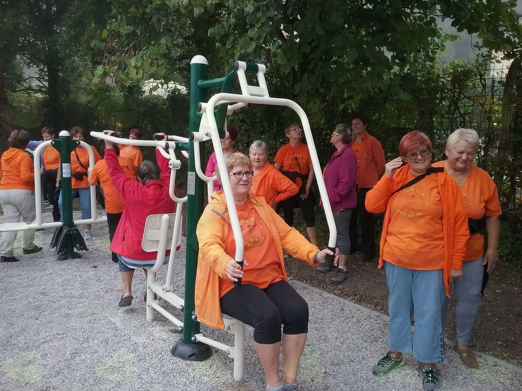 Za postavitev fitnes orodij na prostem sta bili izbrani dve lokaciji, predvsem, ker se tu zadržuje veliko rekreativcev oziroma je to izhodišča točka za različne aktivnosti, sprehod, tek, kolesarjenje in drugo.