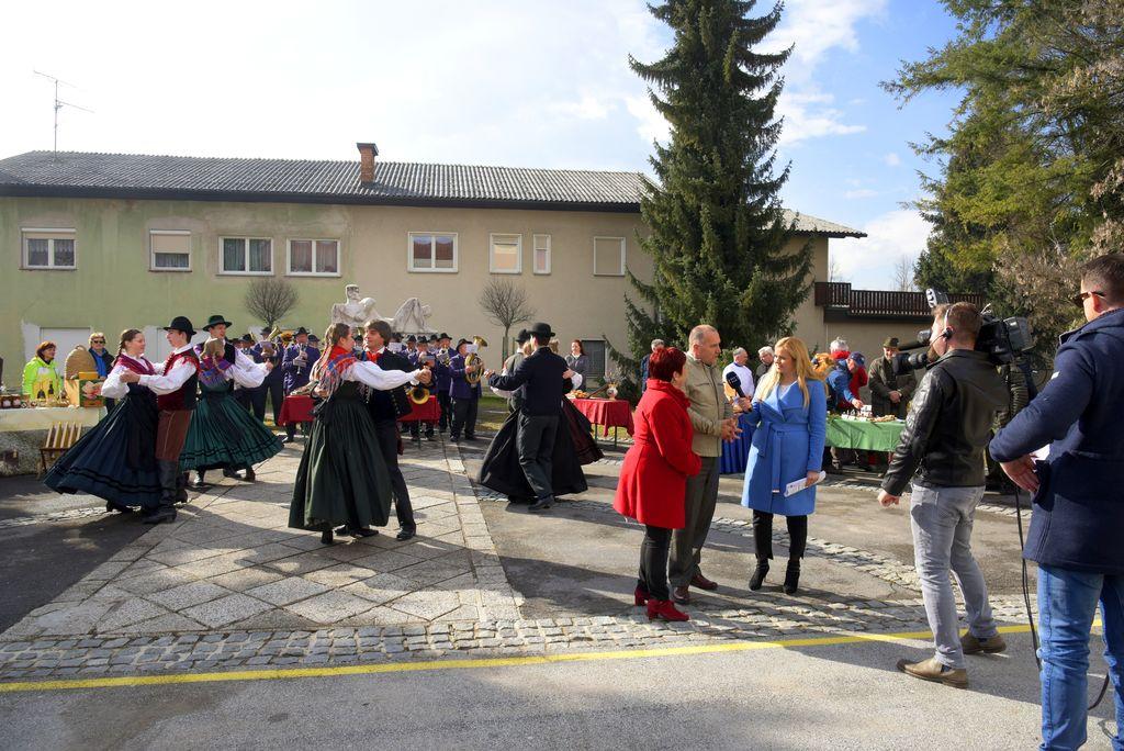 Na koncu je vse gledalke in gledalce v občino povabil še Franc Jerič, župan Občine Mengeš_Avtor Ivan Merljak