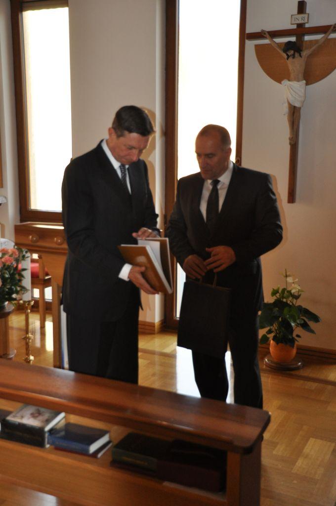 Predsednik republike Borut Pahor obiskal Doma za starostnike sv. Katarine v Mengšu