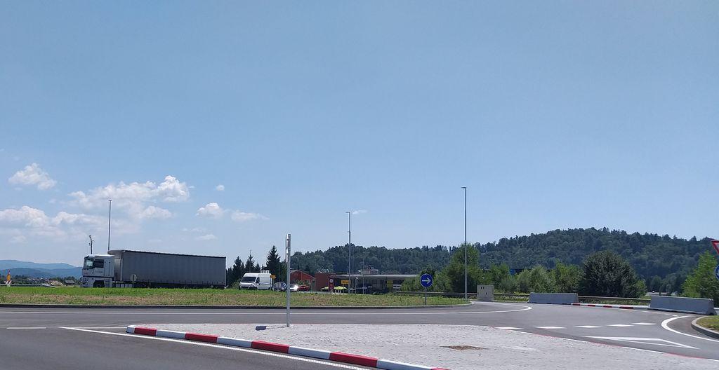 Krožišče je bilo zaključeno in odprto, zato se novih zapor  ne načrtuje.