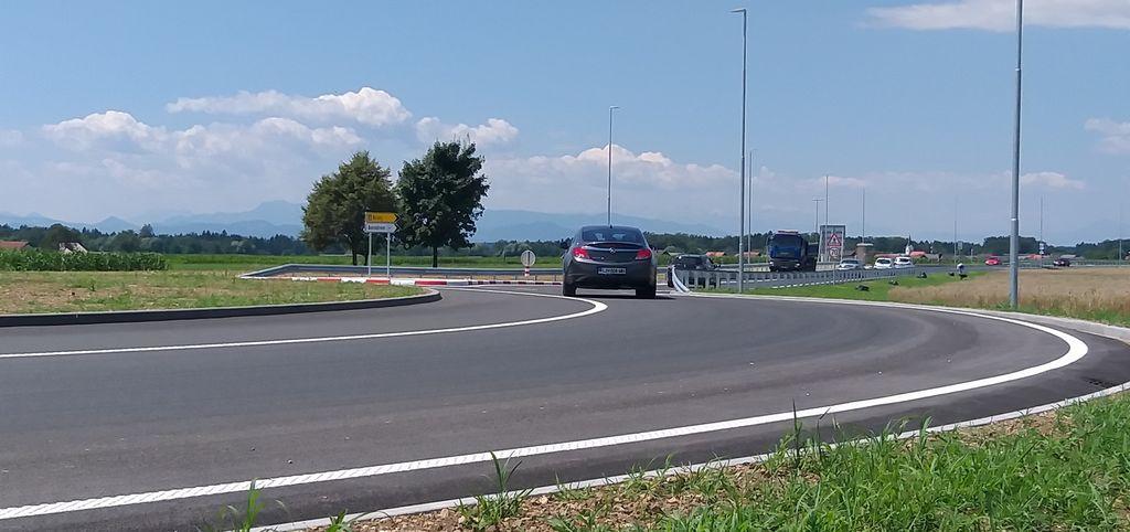 Rondo prosti Kranju je zadnji od petih rondojev na obvoznici Mengeš.