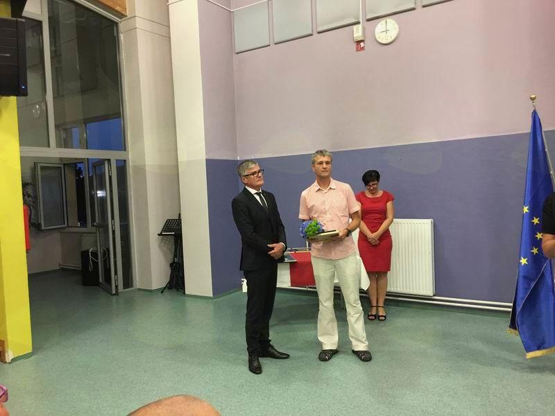 Župan izroča priznanje Jamarskemu klubu Borovnica