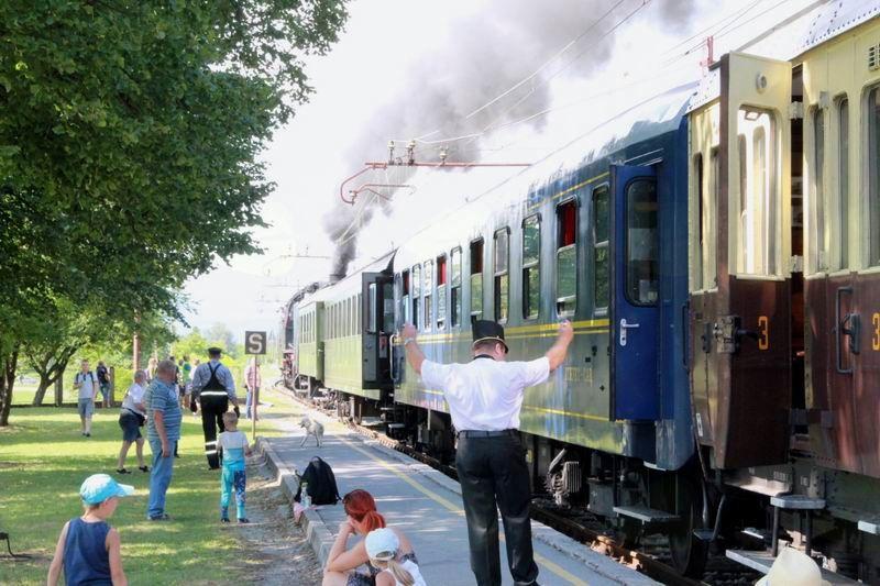 Odhod muzejskega vlaka s Praznika borovnic