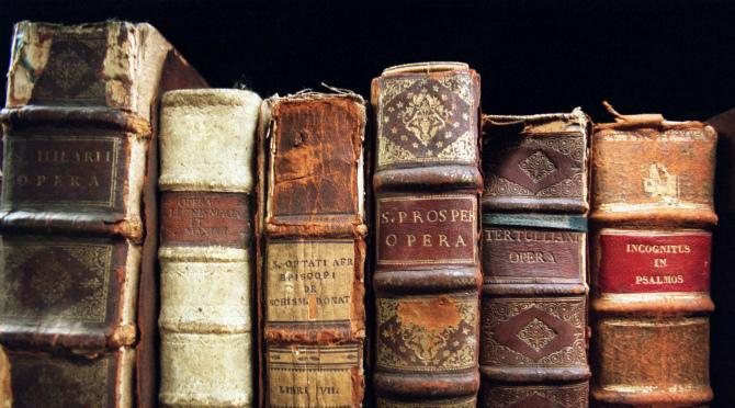 Tehnični in vsebinski problemi klasičnega in elektronskega arhiviranja