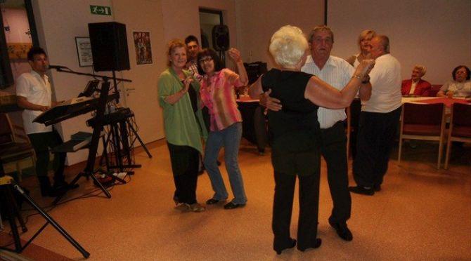 Seniorski večer z glasbenimi gosti