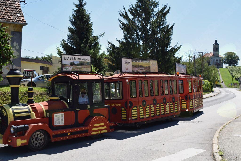 Brezplačne krožne vožnje s turističnim vlakcem po občini Radenci