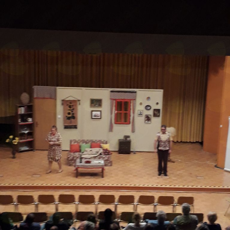 Gledališka predstava- Ženitni oglas