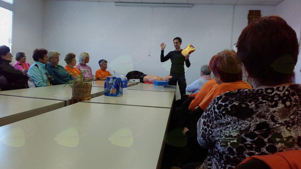 Predavanje o defibrilatorju