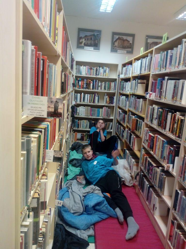 Noč z Andersenom v knjižnici Trebnje