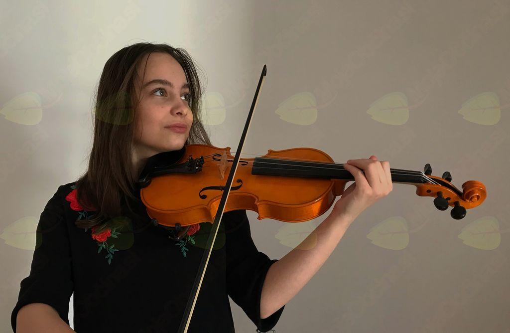 Violinistka Klara Gantar