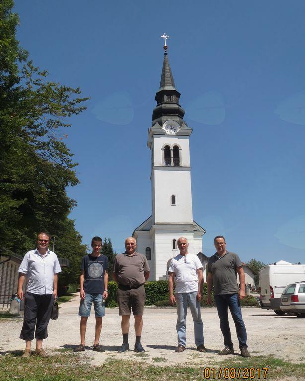 Strokovnjak za zvonjenje g. Matjaž Ambrožič, naši pritrkovalci Matej Marinko, Brane Tomažič in Janez Vrbančič ter Livar iz Nemčije.