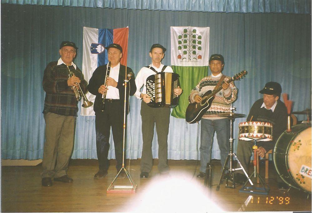Veseli kvartet iz Brezovice, ki ima v svojih vrstah tudi Josepha iz Madagaskarja in je večkrat igral tudi na srečanju strejših in bolnih.