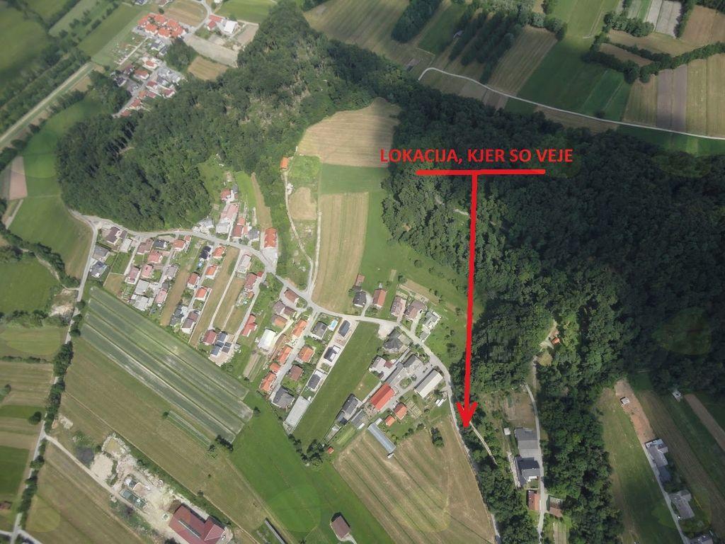 Lokacija povezovalne poti med Na Brce in Pod Goricami.