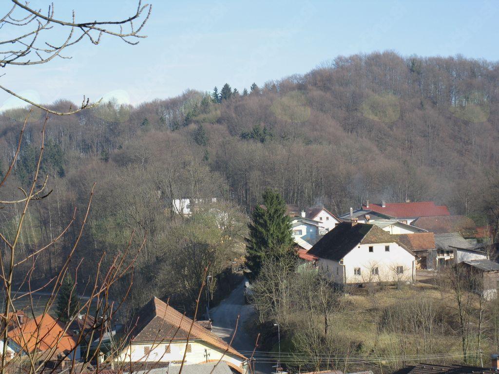 Ašičev dom iz Gulča.