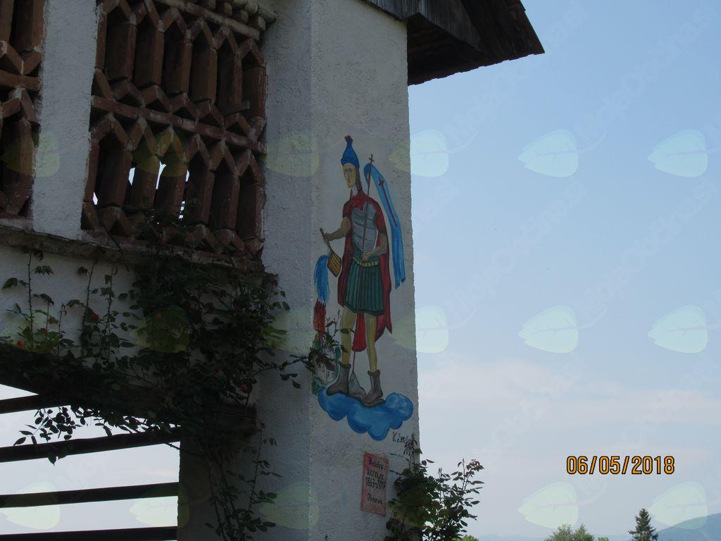 Nova freska na obnovljenem toplarju spominja na 28. srečanje gasilk in gasilcev