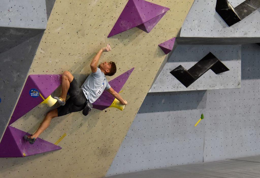 Eva Puhar odlična 4. na prvi tekmi Evropskega mladinskega pokala v športnem plezanju