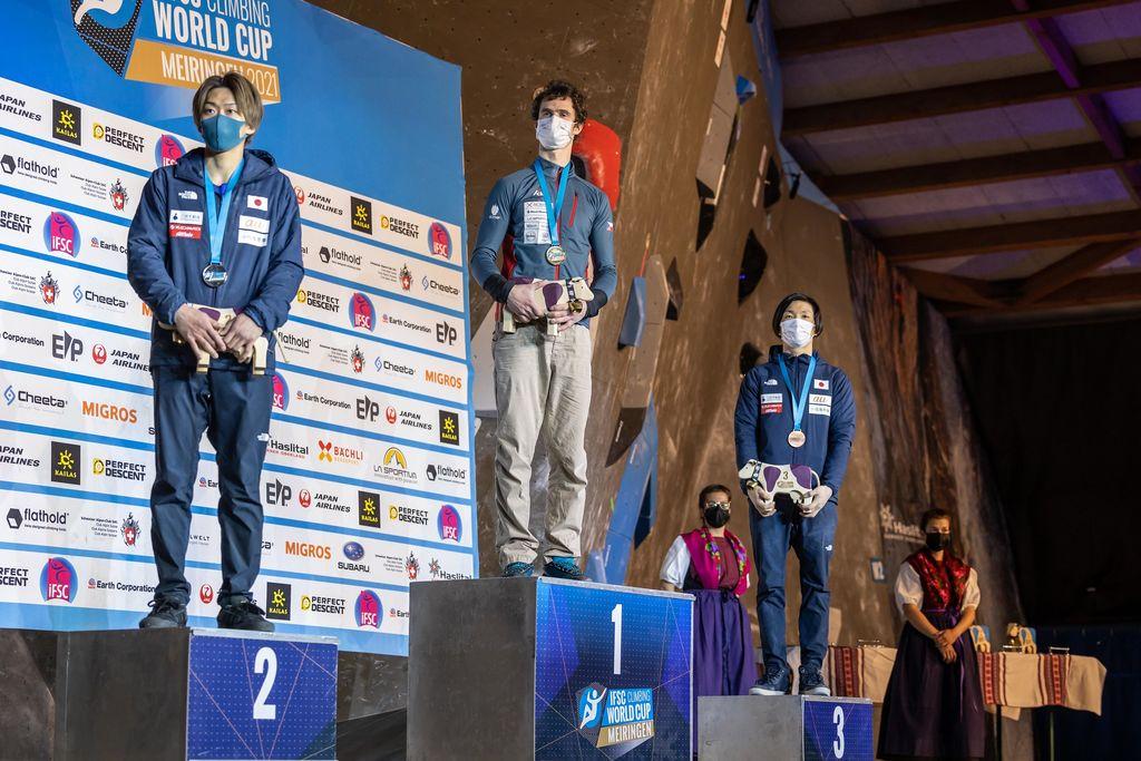 Vita Lukan blizu stopničk na prvi tekmi svetovnega pokala v športnem plezanju v Švici