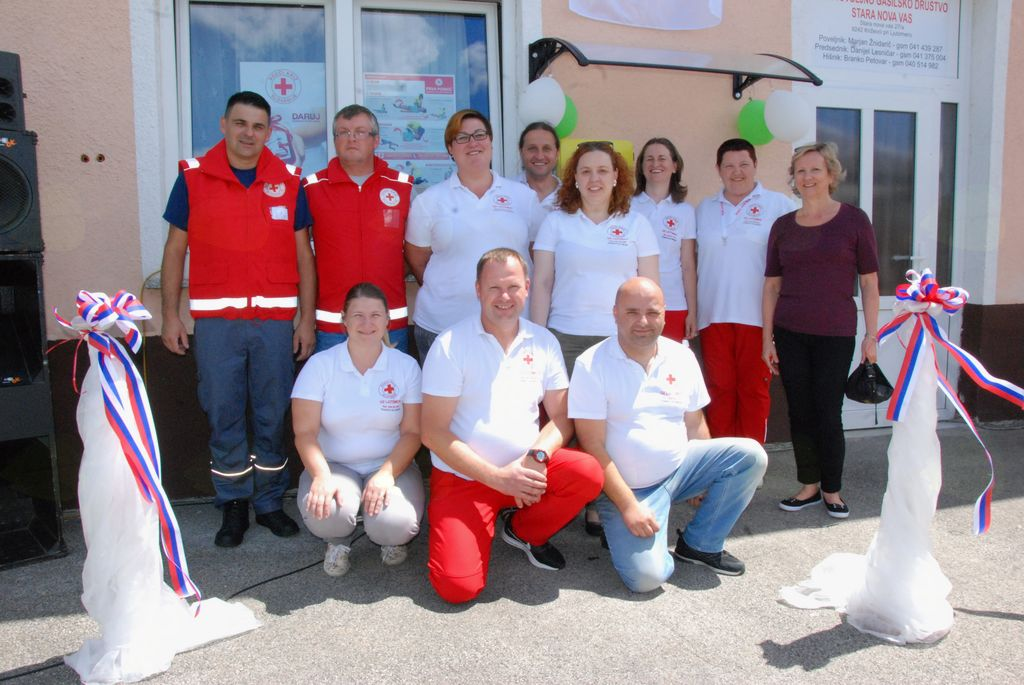 Prevzem defibilatorja in dan odprtih vrat gasilcev v  Stari Novi vasi