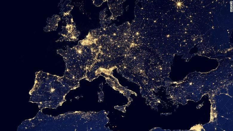 Slika svetlobnega onesnaženja v Evropi