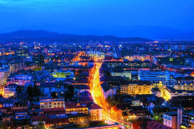 Slika svetlobnega onesnaženja v Sloveniji: Ljubljana