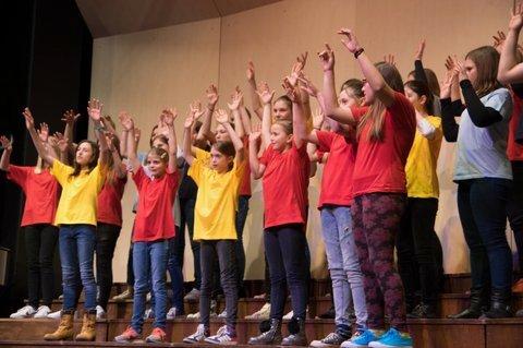 ŽIV ŽAV Območna revija otroških in mladinskih pevskih zborov