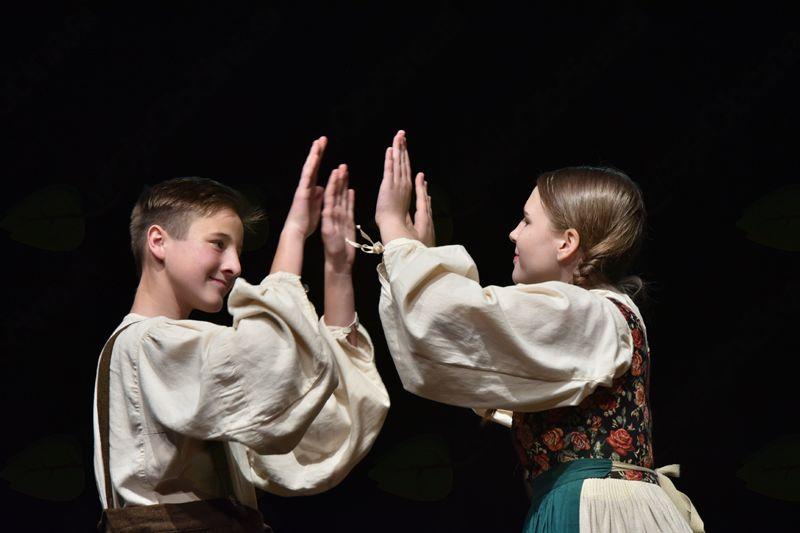 OB BISTREM POTOKU JE MLIN, srečanje otroških folklornih skupin v OŠ Log - Dragomer