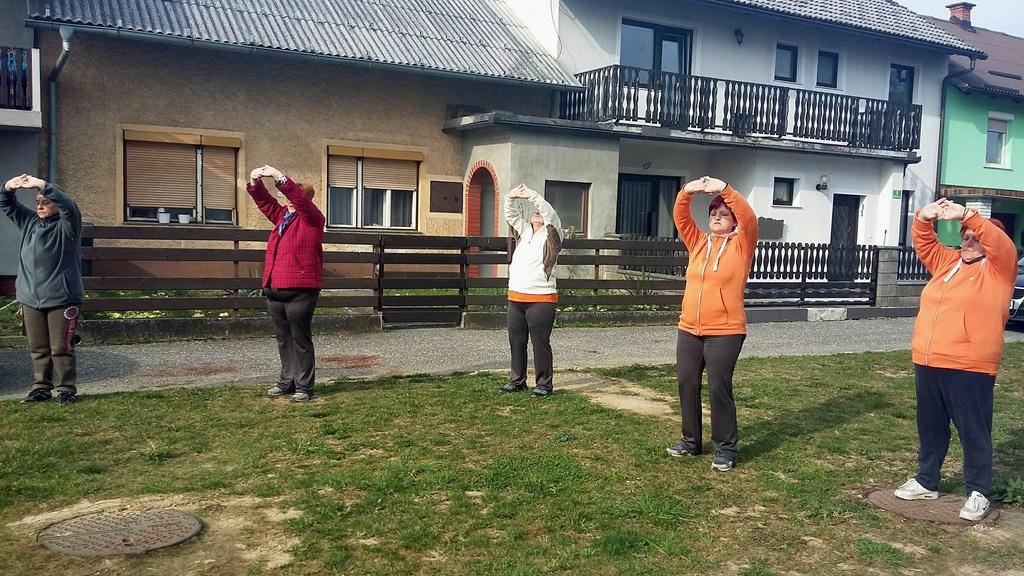 Jutranja telovadba v Medgeneracijskem centru Šentilj