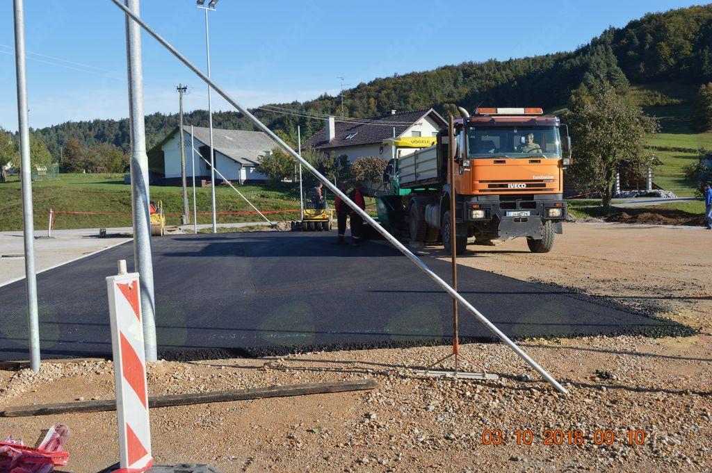 asfaltiranje igrišča