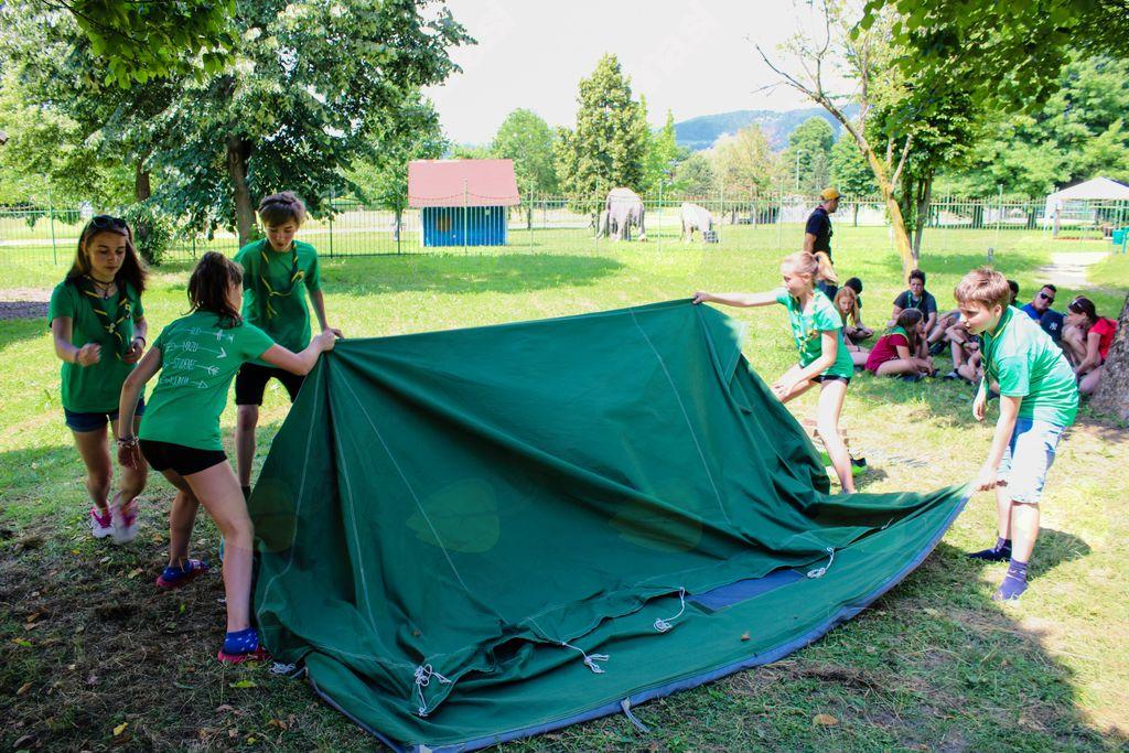 Pospravljanje šotora, GG-ji v akciji.
