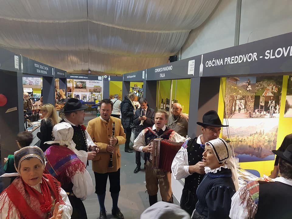 Nekdanja preddvorska folklorna skupina znova v Vodnjanu