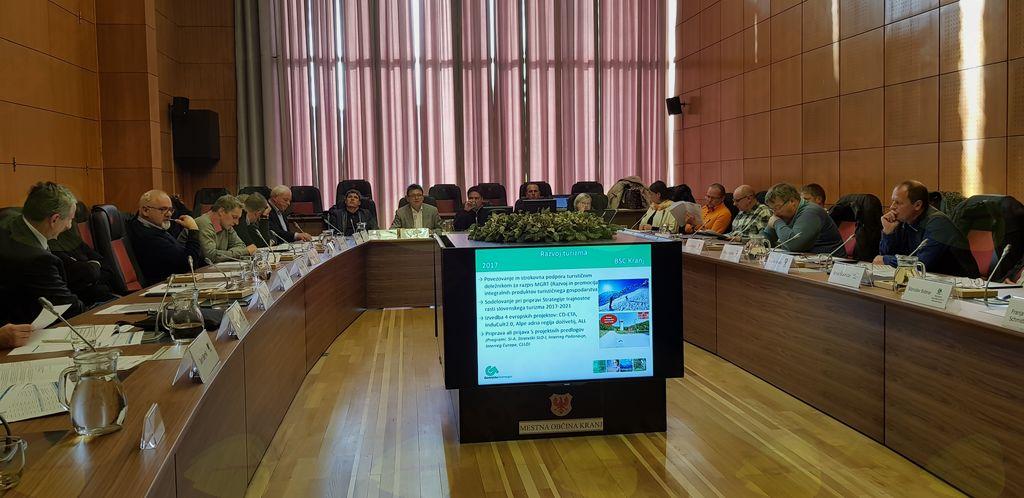 Gorenjski župani so se seznanili s predlogi projektov za vključitev v Dogovor za razvoj gorenjske regije in potrdili načrt dela Regionalne razvojne agencije Gorenjske