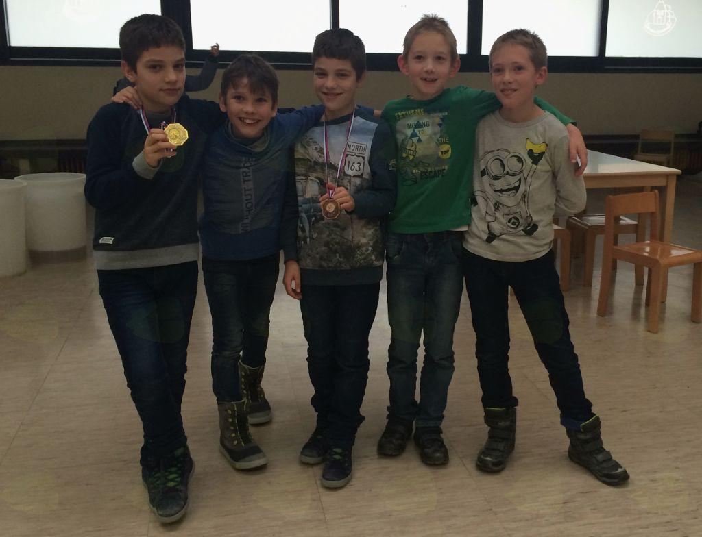 Na gorenjskem prvenstvu osnovnih šol v šahu so tekmovalci iz OŠ Preddvor osvojili tri medalje