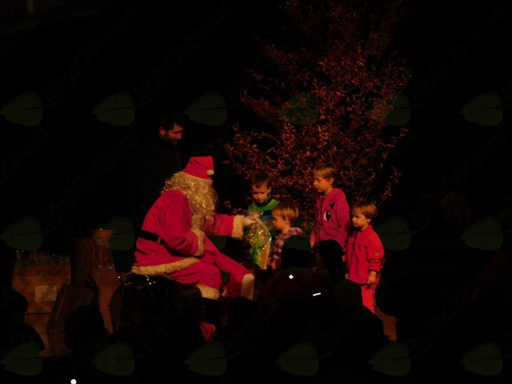 Najmlajše občane Preddvora obiskal Božiček