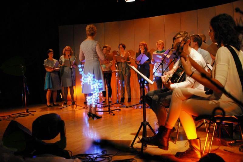 Plamenke so znova navdušile s prazničnim koncertom v Preddvoru