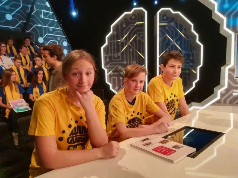 Preddvorski učenci uspešni v televizijskem kvizu Male sive celice