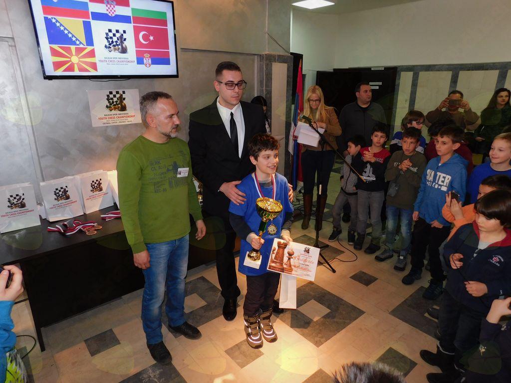 Zmagovalec v kategoriji dečkov do 11 let Miha Šlibar