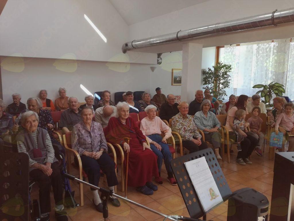 Nastop učencev v Domu starejših občanov Preddvor