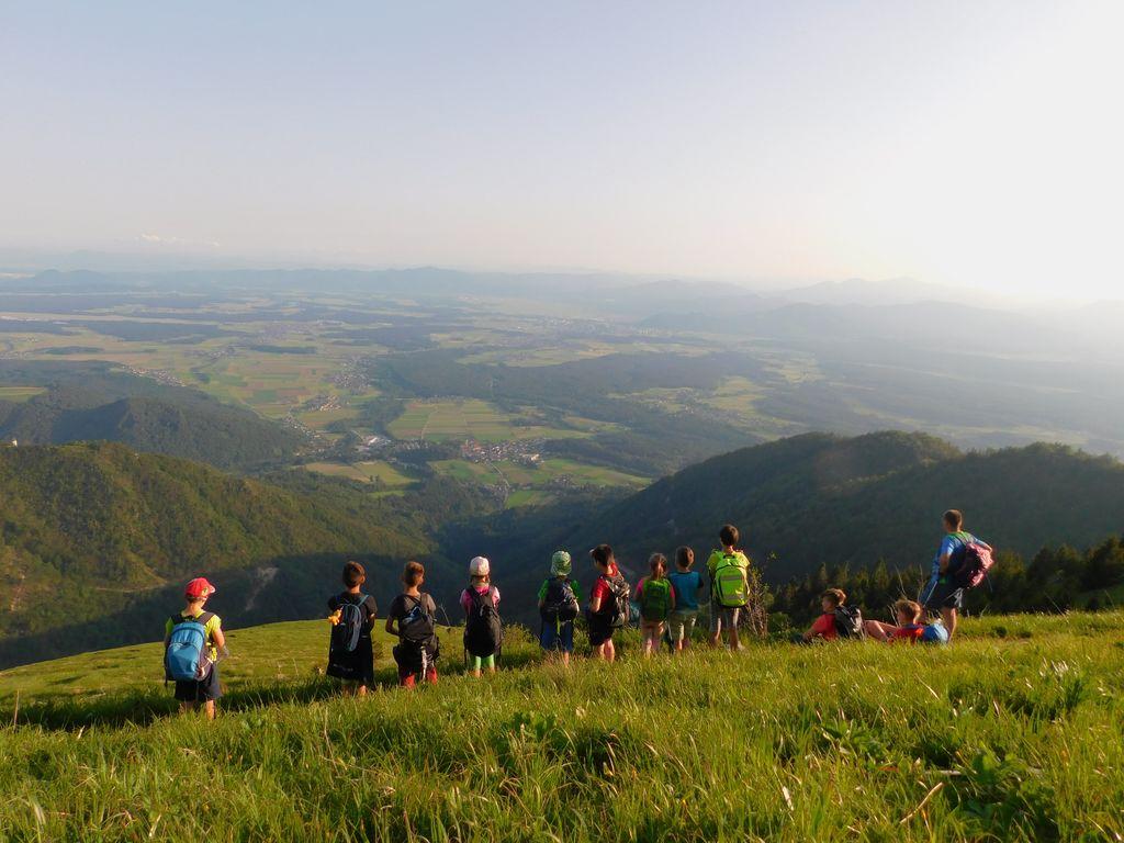 Spomladanski tabor mladih planincev v Hudičevem borštu
