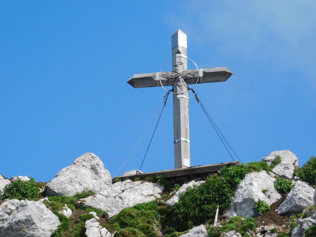 Križ na Storžiču opremljen s strelovodom