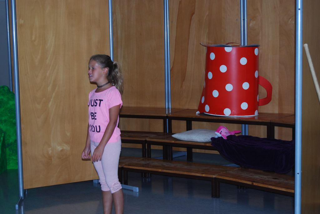 Sara je zapela slovensko himno.