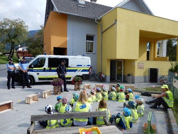 Kolesarski dan – obisk policistov