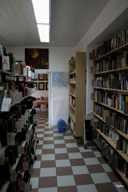 Podarimo knjigo - Noč knjige - svetovni in slovenski dan knjige