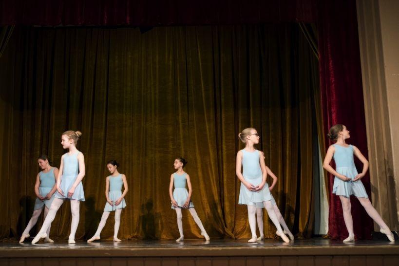 2. razred baleta - GŠ Logatec - plesTKalnica 2019 Foto: Eva Križaj