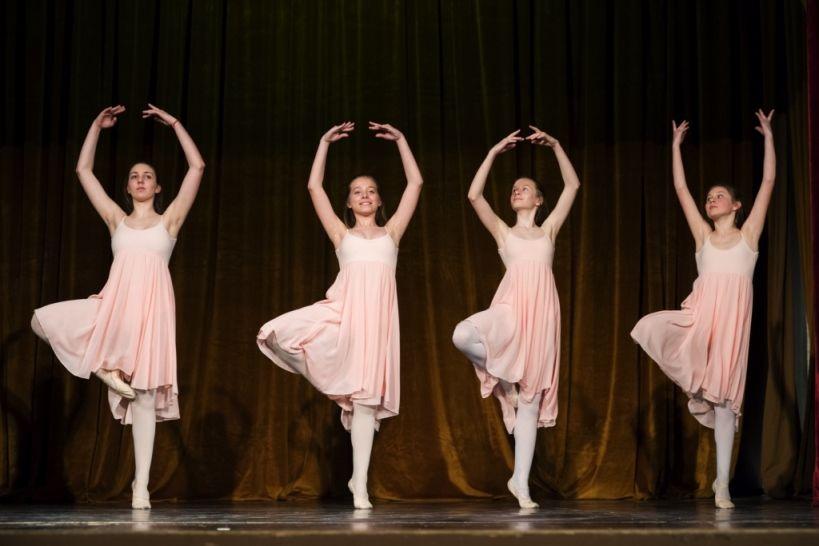 6. razred baleta - GŠ Logatec - plesTKalnica 2019 Foto: Eva Križaj