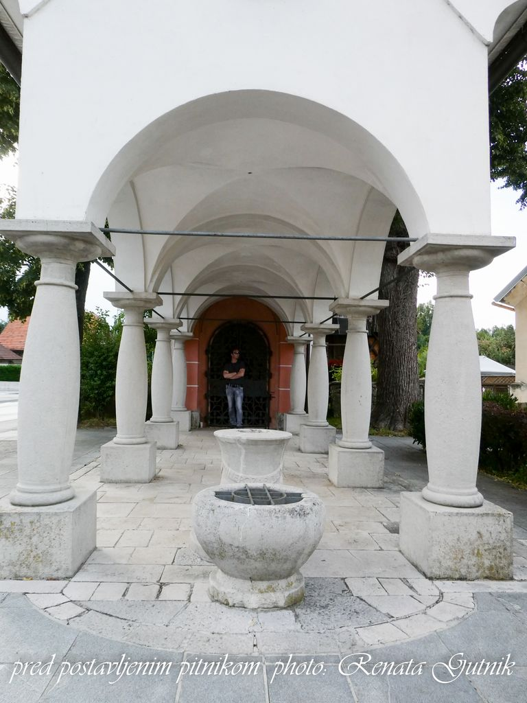 Pitnik v Spominski kapeli padlim v 1. svetovni vojni vzpostavljen že tretjič